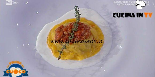 La Prova del Cuoco | Raviolone al ragù su salsa di stracchino ricetta Alessandro Dentone