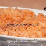 La Prova del Cuoco - ricetta Tagliatelle al sugo con prosciutto crudo di Alessandra Spisni