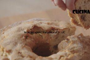 Fatto in casa per voi | Ciambellone mosto mele e noci ricetta Benedetta Rossi