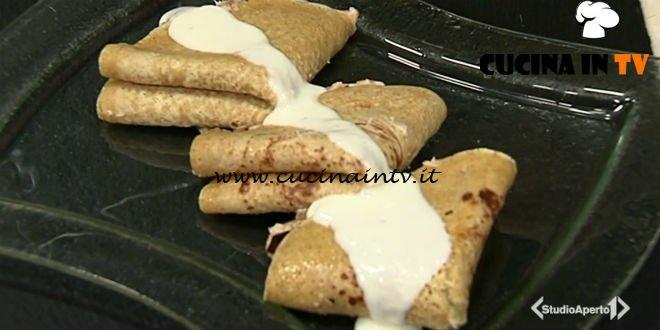 Cotto e Mangiato | Crespelle allo sgombro e radicchio ricetta Tessa Gelisio
