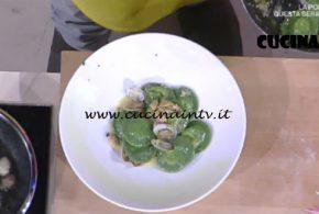 Detto Fatto   Tondini di ricotta con salsa alle vongole ricetta Beniamino Baleotti