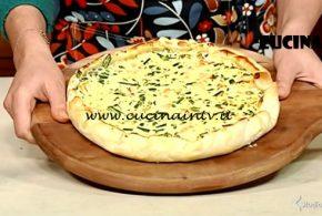 Cotto e Mangiato | Torta salata con salmone ricotta e fagiolini ricetta Tessa Gelisio