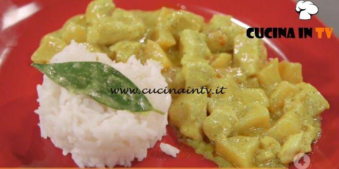 Ricette all'italiana - ricetta Pollo al curry con le mele di Anna Moroni