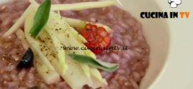Uno chef in fattoria - ricetta Risotto con asparagi e frutti di bosco di Roberto Valbuzzi