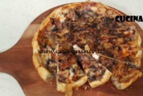 Cotto e Mangiato | Torta salata radicchio pere e taleggio ricetta Tessa Gelisio