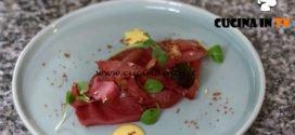 Uno chef in fattoria | Bresaola marinata con maionese piccante ricetta Roberto Valbuzzi