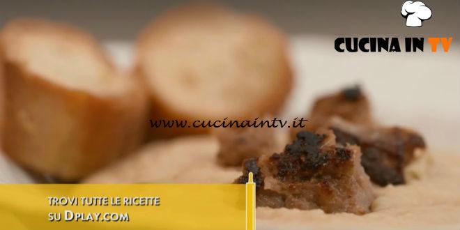 L'Italia a morsi | Crema di ceci con salsiccia di Pignone ricetta Chiara Maci