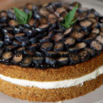 Uno chef in fattoria - ricetta Torta di grano saraceno con mirtilli di Roberto Valbuzzi