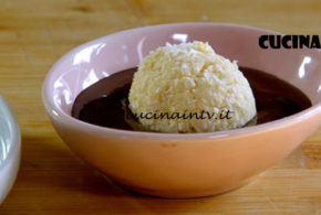 Il gusto della felicità | Dolcetti al cocco con cioccolato fuso ricetta Marco Bianchi