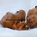 Uno chef in fattoria - ricetta Frittelle di mele con crema pasticcera di Roberto Valbuzzi