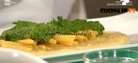 Geo - ricetta Maccheroncini di lenticchie con purea di ceci e pesto di cime di rapa di Peppe Zullo