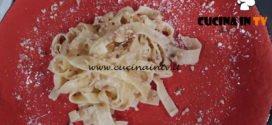 Geo | Tagliatelle al burro con nocciole e pecorino ricetta Stefania Grandinetti