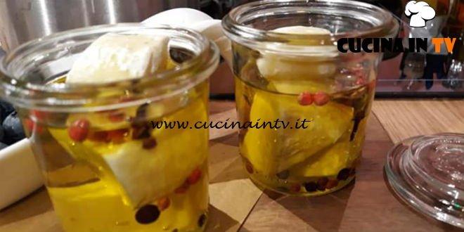 Geo - ricetta Tomino aromatizzato sott'olio di Anna Maria Pellegrino