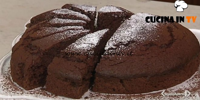 Cotto e mangiato - Torta cacao e barbabietola ricetta Tessa Gelisio