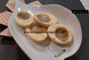 Cotto e Mangiato | Uova ripiene fritte ricetta Tessa Gelisio