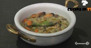 Cotto e mangiato - Fregola con asparagi e cozze ricetta Tessa Gelisio