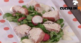 Ricette all'italiana | Rotolo di pollo e prosciutto ricetta Anna Moroni