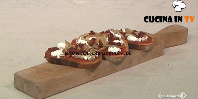 Cotto e mangiato - Bruschetta calabra nduja e melanzane ricetta Tessa Gelisio