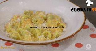 Ricette all'italiana - ricetta Cappelletti del borgo di Anna Moroni