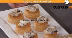 Ricette all'italiana - ricetta Vol-au-vent ai funghi di Anna Moroni
