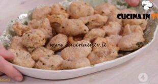 Ricette all'italiana - ricetta Frittelle alle erbe aromatiche di Anna Moroni