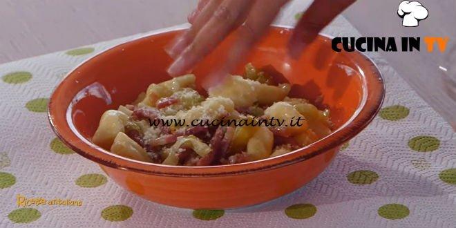 Ricette all'italiana - ricetta Gnocchi di patate con porri e speck di Anna Moroni