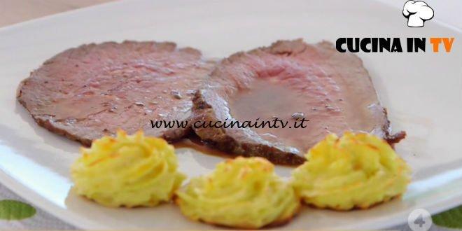 Ricette all'italiana - ricetta Roast beef con patate duchessa di Anna Moroni