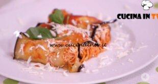 Ricette all'italiana - ricetta Involtini di melanzana con capelli d'angelo di Anna Moroni