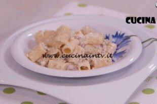 Ricette all'italiana - ricetta Mezze maniche alla norcina di Anna Moroni