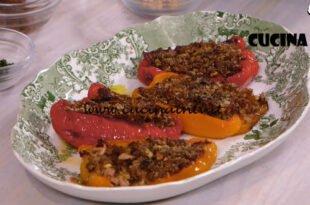 Ricette all'italiana - ricetta Peperoni ripieni di tonno di Anna Moroni