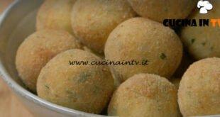 Fatto in casa per voi - ricetta Polpettine di pane fritte di Benedetta Rossi