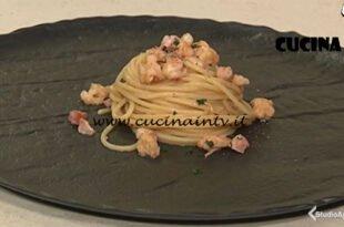 Cotto e mangiato - Spaghetti gamberi e pancetta ricetta Tessa Gelisio
