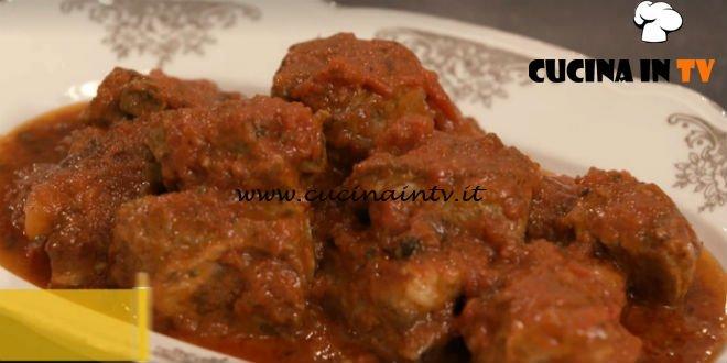 L'Italia a morsi - ricetta Costolette in umido di Chiara Maci