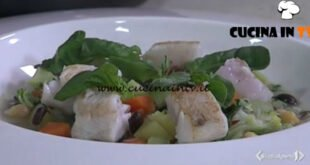 Cotto e mangiato - Minestrone con brodo di pesce e nasello brasato ricetta Tessa Gelisio