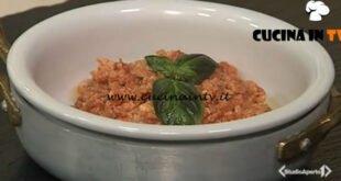Cotto e mangiato - Uova strapazzate al pomodoro ricetta Tessa Gelisio