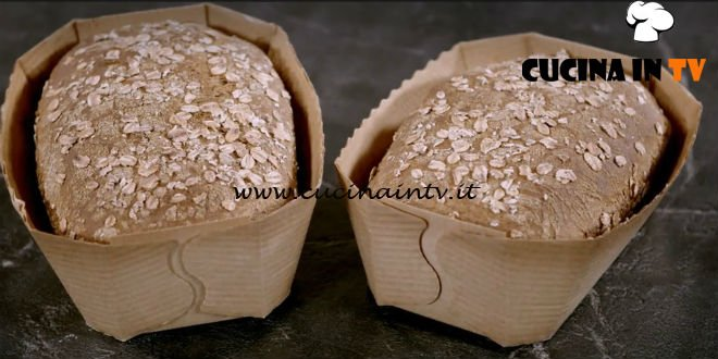 Pane Olio e Fantasia - ricetta pane al farro di Enrica Della Martira