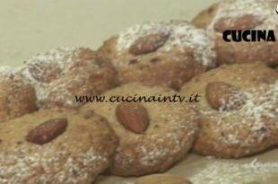 Cotto e mangiato - Biscottini di mandorle senza burro ricetta Tessa Gelisio