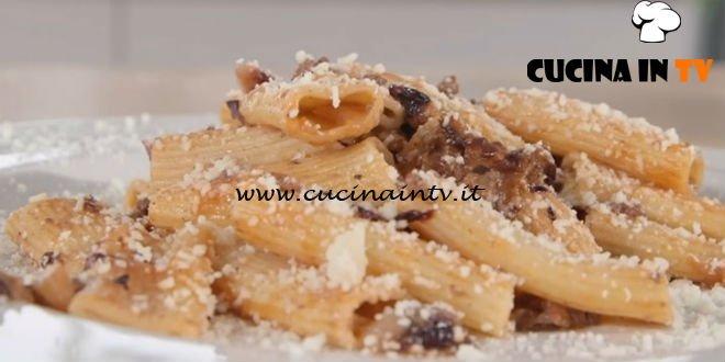 Ricette all'italiana - ricetta Rigatoni al ragù di radicchio di Anna Moroni