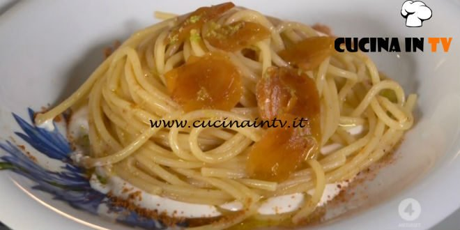 Spaghettoni alla bottarga su crema di stracciatella ricetta Anna Moroni da Ricette all'italiana