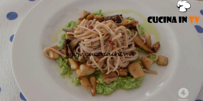 Ricette all'italiana - ricetta Tagliolini di farro con purea di fave e funghi cardoncelli di Anna Moroni