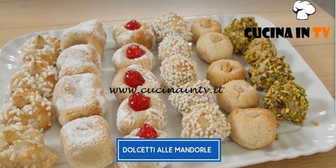 Giusina in cucina - ricetta Dolcetti alle mandorle di Giusina Battaglia