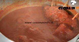 In cucina con Imma e Matteo - ricetta Ragù napoletano
