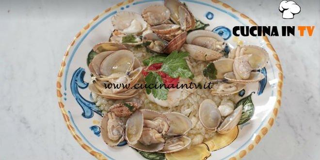 In cucina con Imma e Matteo - ricetta Risotto con rana pescatrice e vongole