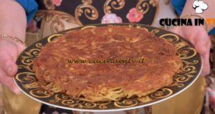 In cucina con Imma e Matteo - ricetta Frittata di maccheroni