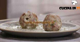 L'Italia a morsi - ricetta Canederli di speck di Chiara Maci