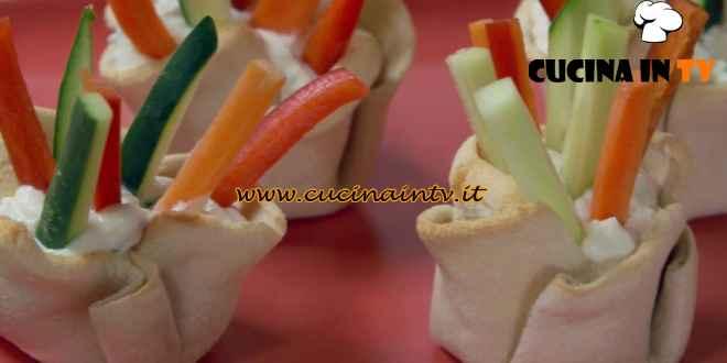 Fatto in casa per voi - ricetta Cestini di pancarrè con verdure di Benedetta Rossi