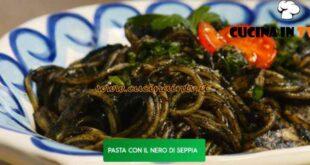 Giusina in cucina - ricetta Spaghetti con il nero di seppie di Giusina Battaglia