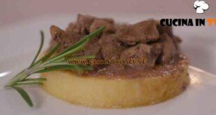 L'Italia a morsi - ricetta Polenta brustolà con fegatini di pollo di Chiara Maci
