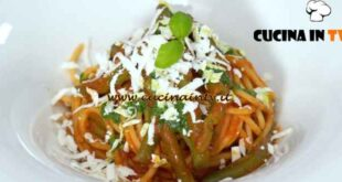 Giovani nonne - ricetta Spaghetti al sugo di fagiolini e cacioricotta di Vittoria