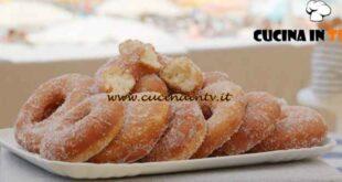 Giusina in cucina - ricetta Ciambelle con lo zucchero di Giusina Battaglia